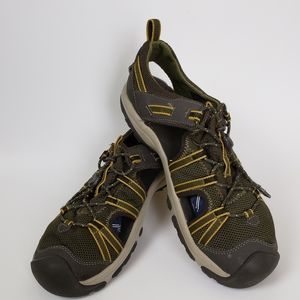 Teva olive green water shoes